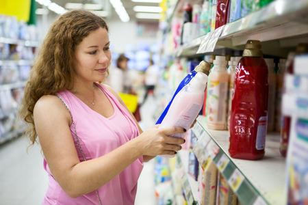 choosing plastic packaging